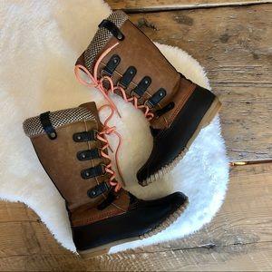 ESPRIT Lace Up Winter Boots